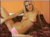 Шаловливая блонди в шаловливых позах